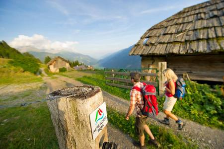 Alpe-Adria-Trail: 3 nations (ring)
