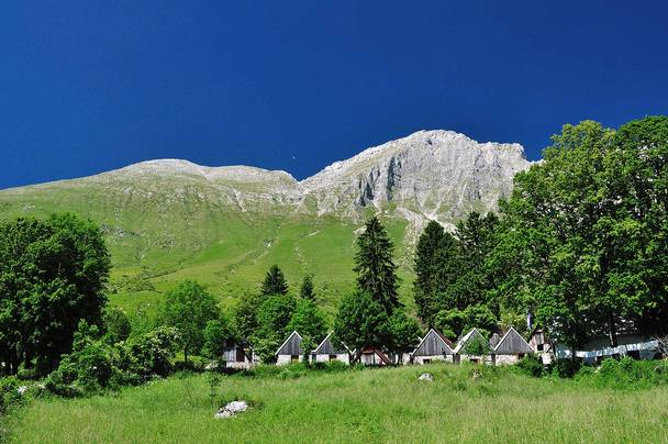 Alpe adria trail hutten planina kuhinja original